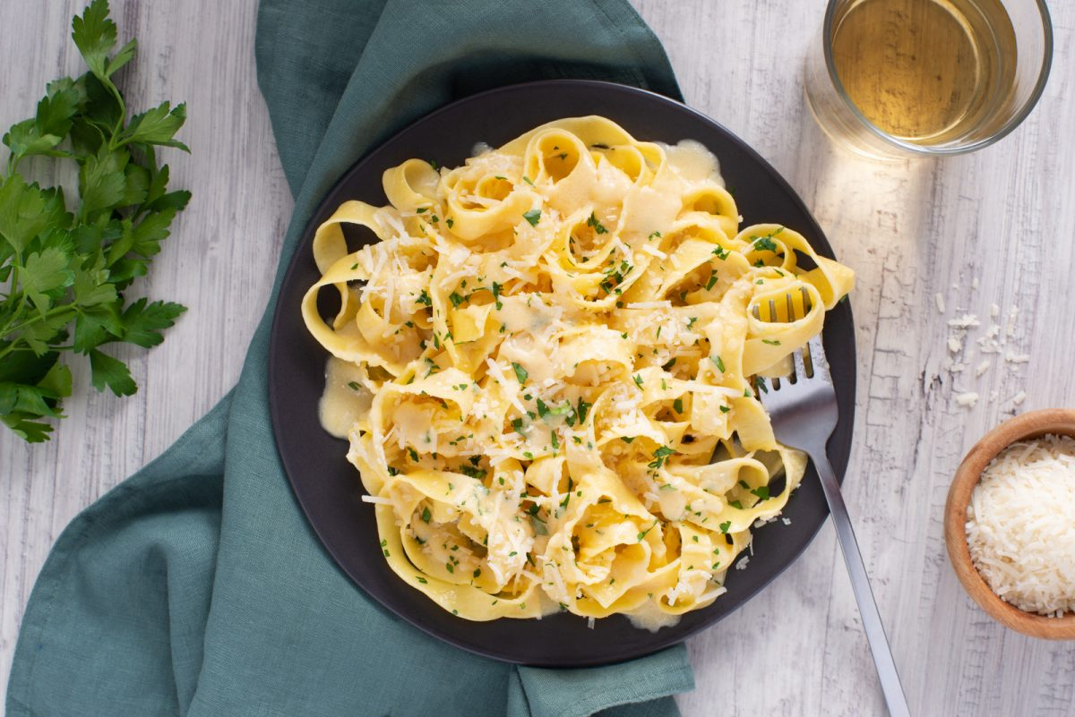 Garlicky Fettuccine Alfredo