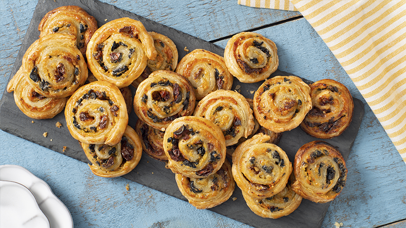 Mediterranean Puff Pastry Pinwheels