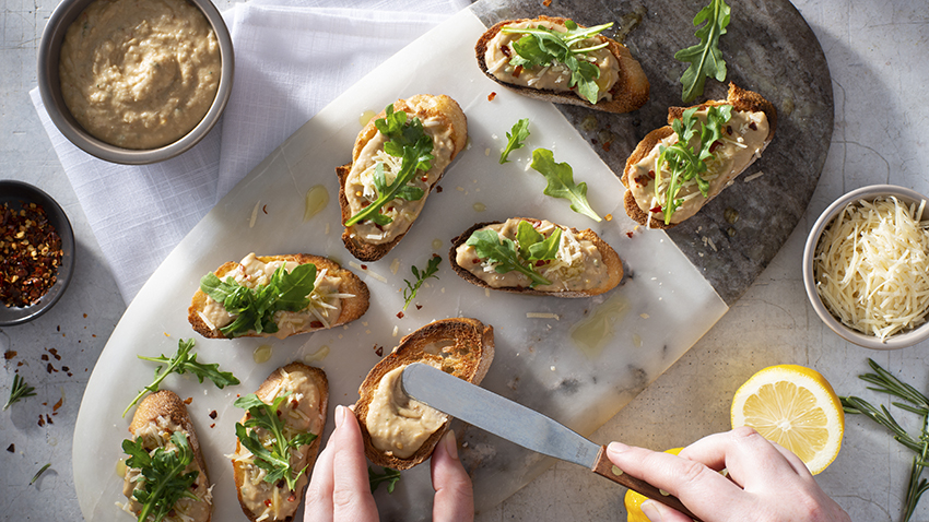Garlicky White Bean Crostini