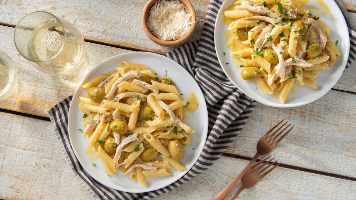 Penne with Chicken and Olives